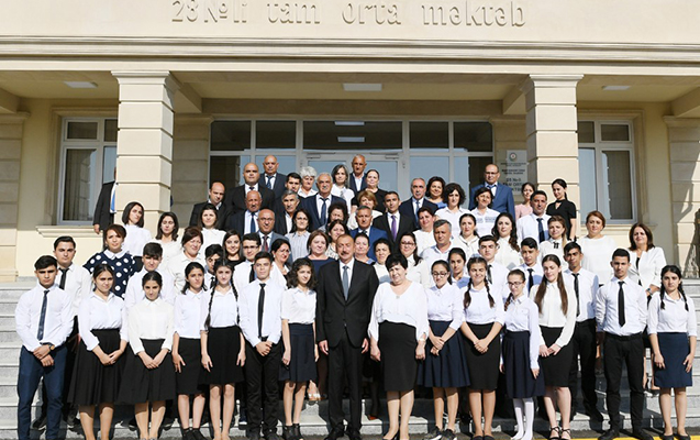 Prezident İlham Əliyev Maştağada 28 nömrəli tam orta məktəbin açılışında iş ...