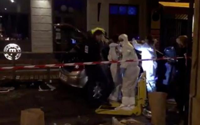 Fransada sürücü maşını insanların üzərinə sürüb