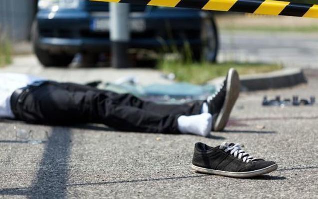 Zabratda vurulan piyada öldü