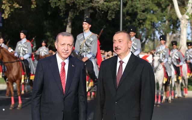 Prezidentlər Azadlıq meydanında paradda