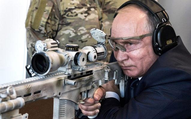Putin snayperdən atəş açdı