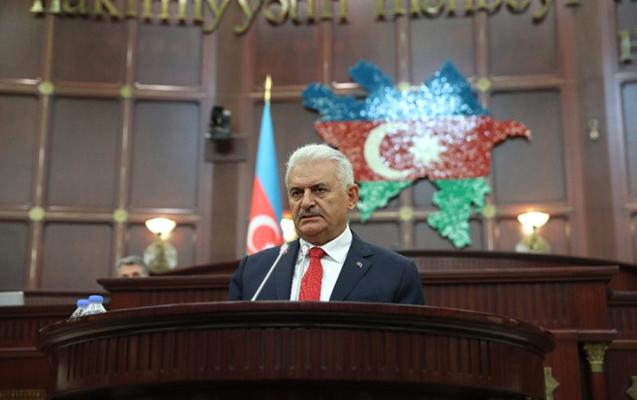 Milli Məclisdə azərbaycanca danışdı