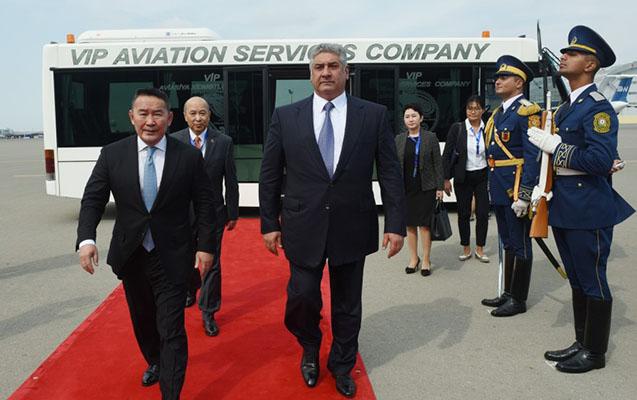 Monqolustan prezidenti Azərbaycanda
