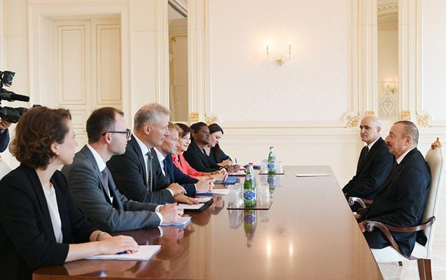Əliyev Avropa İnvestisiya Bankının vitse-prezidenti ilə görüşüb