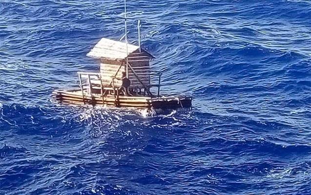 Fırtınaya düşdü, 49 gün okeanın ortasında xilas edilməyi gözlədi