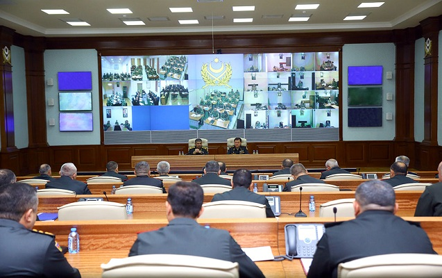 Zakir Həsənov ordu komandirlərini topladı - Tapşırıq verdi