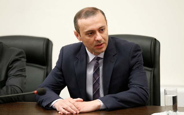 Ermənistan Təhlükəsizlik Şurası katibinin atası intihar etdi