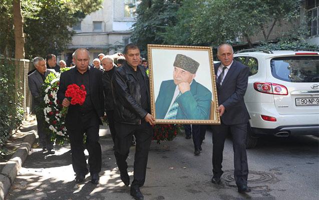 Qara Mustafayevlə vida mərasimi keçirildi