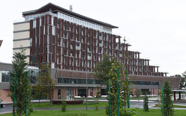 Prezident və birinci xanım Lənkəranda otelin açılışında