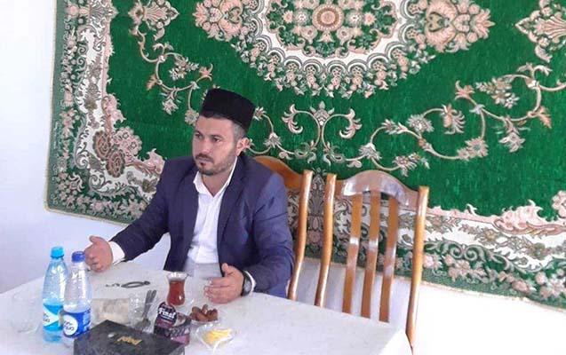 Sadə, təmtəraqdan uzaq, islami qaydalara uyğun