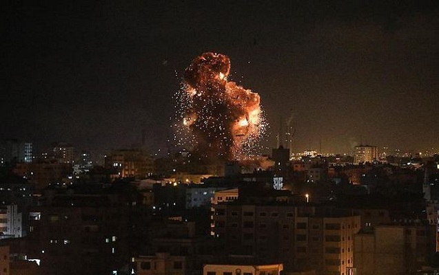 İsrail qırıcıları kanal binasını vurdu