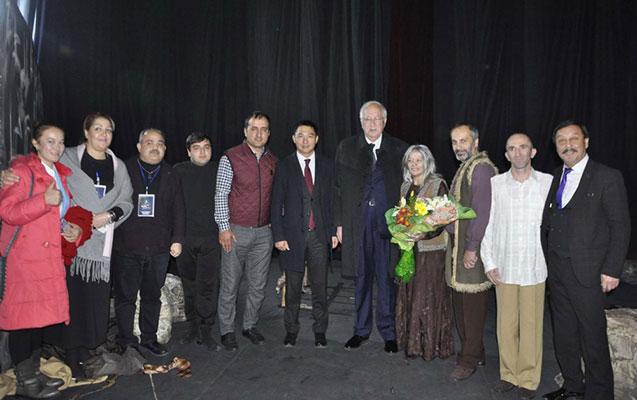 Mehriban Xanlarova Bişkekdə mükafat aldı