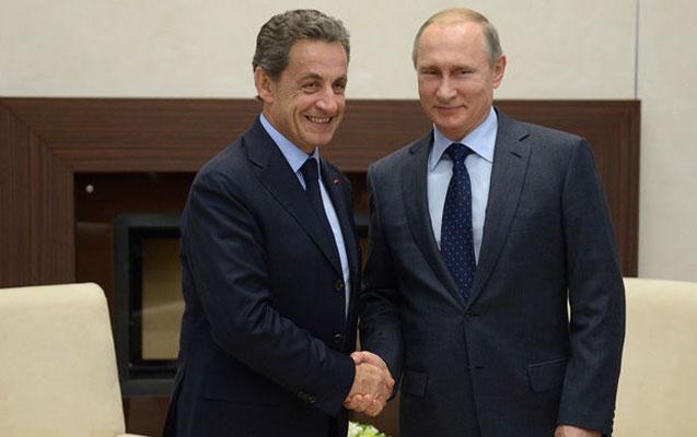 Sarkozi gözlənilmədən Moskvaya getdi