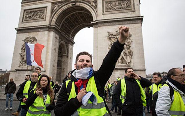 Fransada aksiyalarda 25 nəfər yaralandı