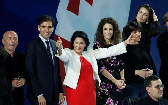 Salome Zurabişvili Gürcüstanın yeni prezidenti seçildi