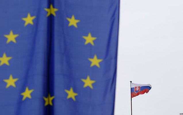 Slovakiya rus diplomatı ölkədən qovub