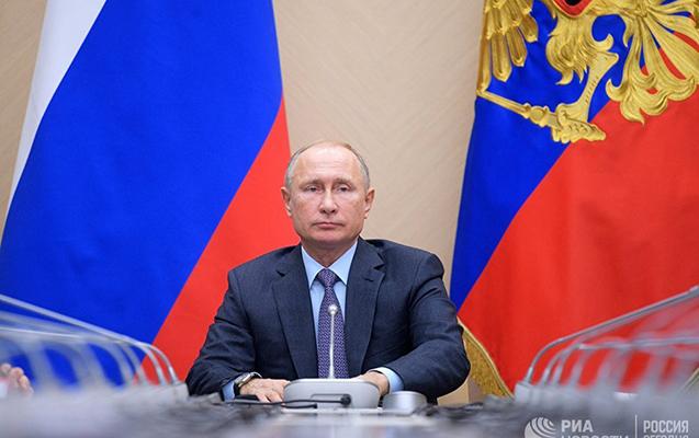 Putin Poroşenkonun zənginə niyə cavab vermədiyini açıqladı