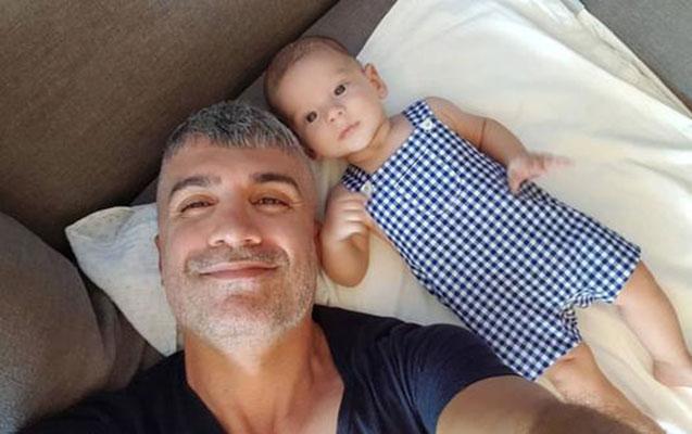 Özcanın oğlu ilə yeni fotosu