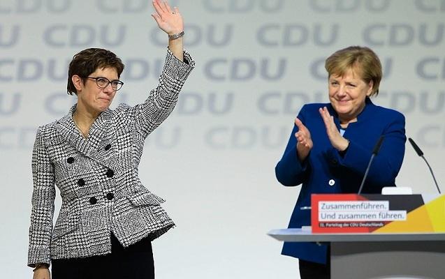 Merkelin xələfi məlum oldu