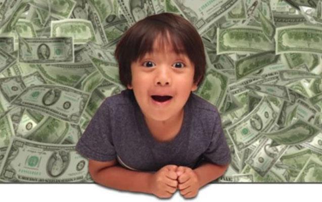 7 yaşı var, bir ilə 22 milyon dollar qazanıb - Fotolar