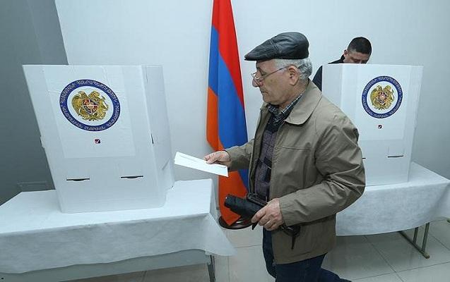Ermənistanda seçki başa çatdı, səslər hesablanır