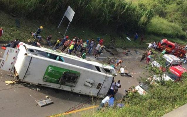 Kolumbiyada basketbolçular qəzaya düşdü
