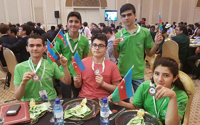 Azərbaycanlı şagirdlər Botsvanada 5 medal qazandılar