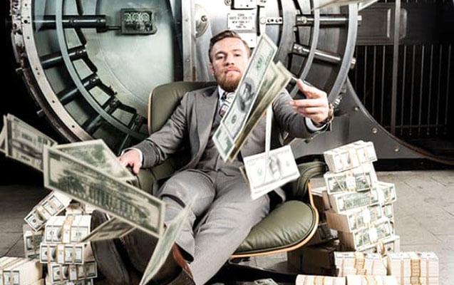 100 milyon dolları var, bir qəpik də xərcləmir
