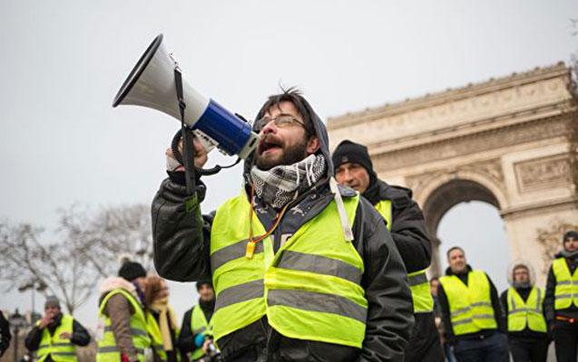 """""""Sarı jiletlilər""""in aksiyasında ölən və yaralananların sayı açıqlandı"""