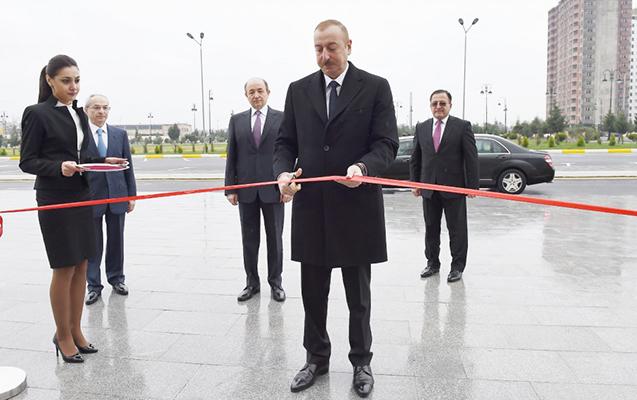 Prezident məhkəmə binasının açılışında