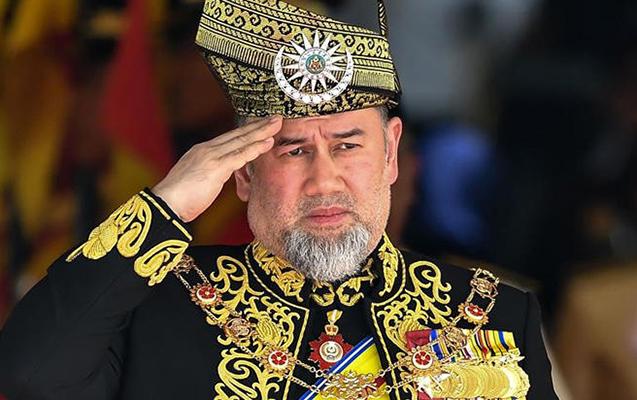 Malayziya kralı taxtını tərk edib