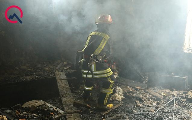 50 yaşlı qadın evində yanaraq öldü