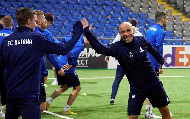 Almeyda  Qarabağ a dönüb