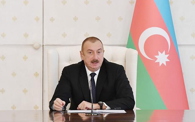 """""""Telekanallar sizə qadağa qoymaqla səhv edib"""" - Video"""