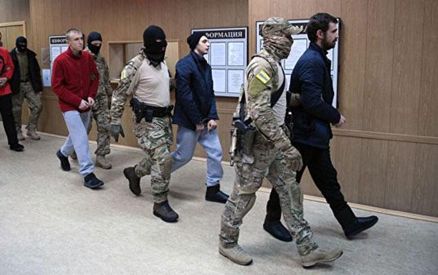 Ukraynalı hərbçilərin həbs müddəti uzadıldı