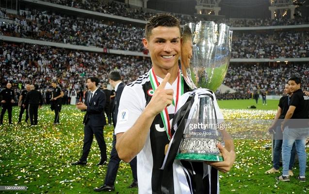 "Ronaldo ""Yuventus""a kubok qazandırdı"