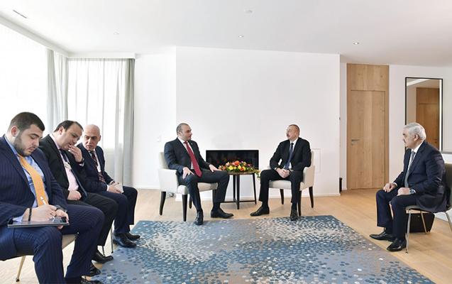 Əliyev Gürcüstanın baş naziri ilə görüşüb