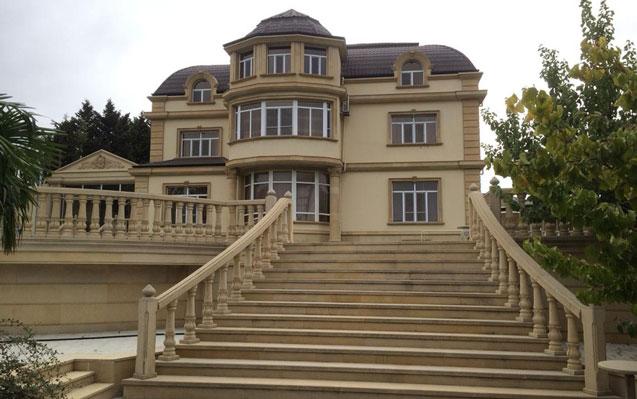 Deputatın milyonluq villası bank borcuna görə əlindən alındı