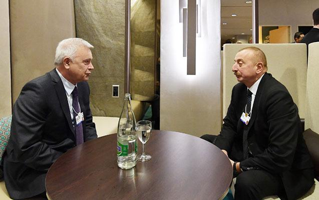 Prezident Davosda azərbaycanlı biznesmenlə görüşdü