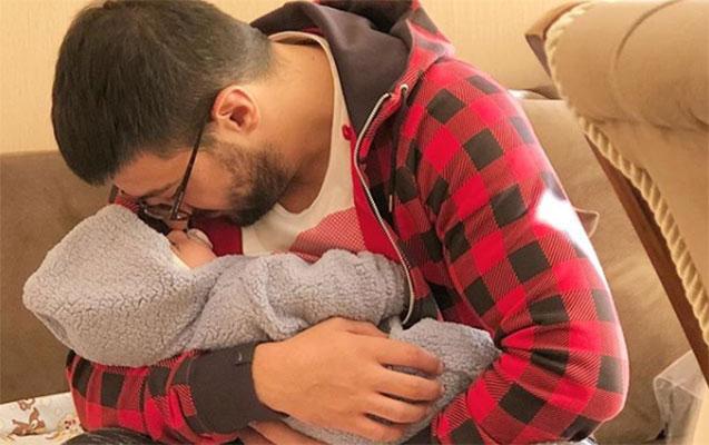 Abbas ilk dəfə oğlu ilə şəklini paylaşdı