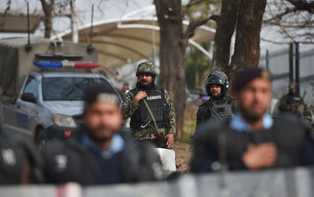 Polis bölməsinə hücum - 2 ölü, 19 yaralı