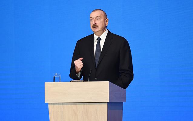 """""""Quldur dəstələri çiyinlərində avtomat küçələri gəzirdilər"""""""