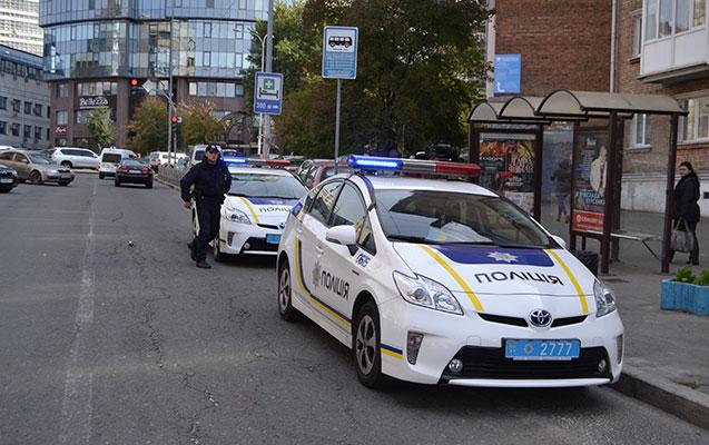 Aksiyaçıları döyən polis həbs edildi