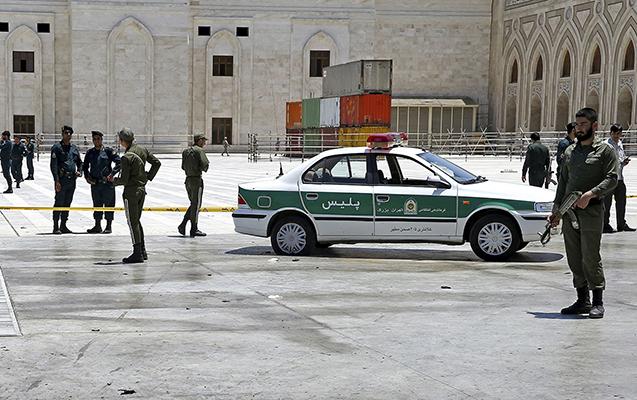 İranda avtobus partladıldı - 20 hərbçi öldü, 20-si yaralandı