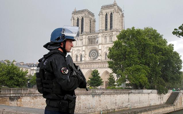Parisdə Dünya Müharibəsinə aid bombaya görə 1600 insan köçürülüb