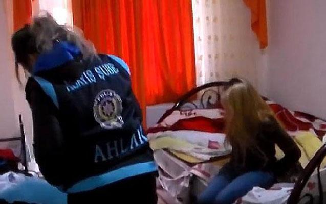 Azərbaycanlı qadınların pasportlarını alıb fahişəliyə cəlb etdilər