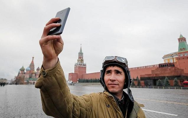 Rusiyada əsgərlərə telefondan istifadə qadağan edildi