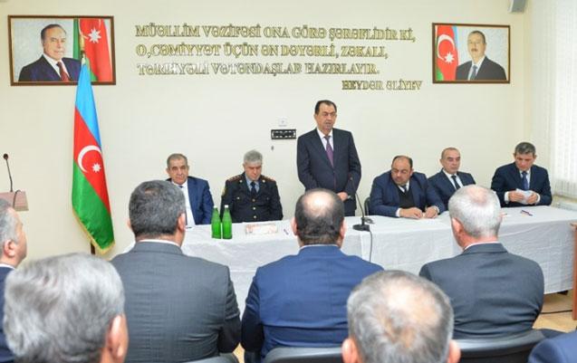 Qaraşov səyyar görüş keçirib
