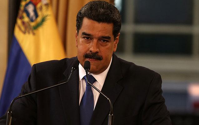 Maduro suallarını bəyənmədiyi jurnalistləri ölkədən qovdu