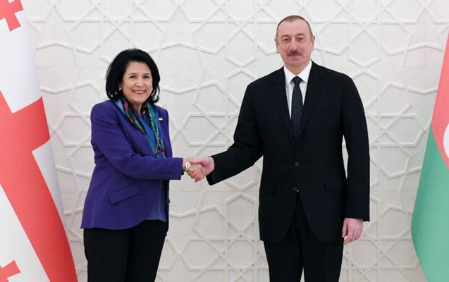 İlham Əliyev Zurabişvili ilə təkbətək görüşdü